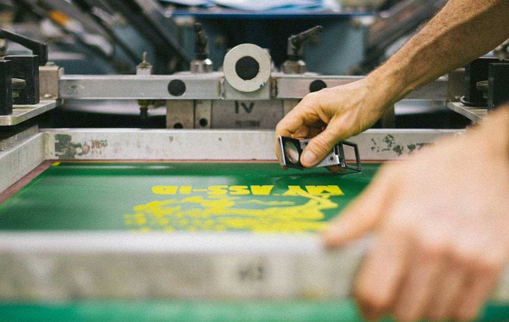 how screen printing on t-shirts works